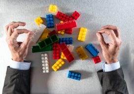 Wat is wijsheid: herstructureren of aanpassen?